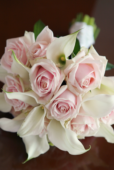 Bouquet of White Calla Lillies and Pink Roses